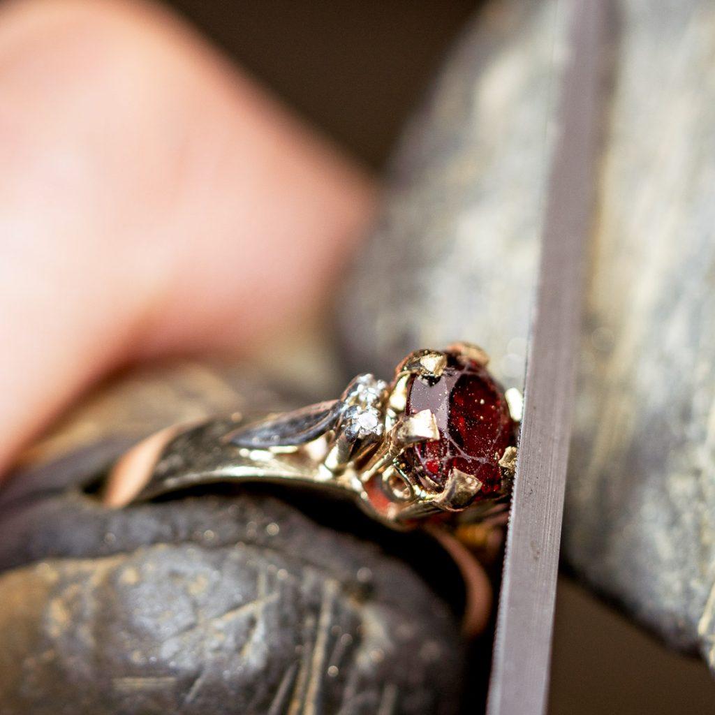 Rebuild Claws Garnet Ring 025 Edit